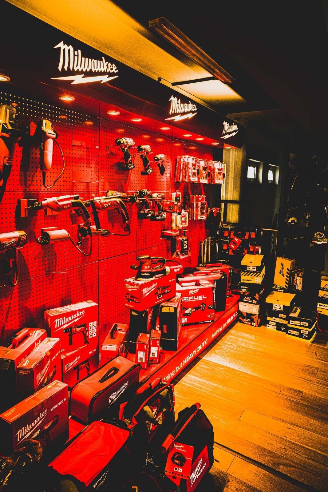 Geralidis Tools Inside Store